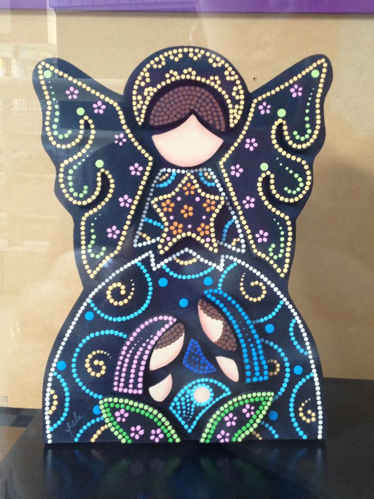 Pesebre puntillismo de Carolina VP...black painted cardboard with colored glue dots