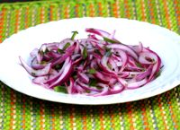 Salsa Criolla, Onion salad. be sure to wash the onions well after slicing them so they aren't overpoweringly strong...
