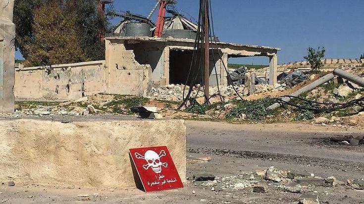 """İnsan Hakları İzleme Örgütü Suriye'de kimyasal silahı belgeledi  """"İnsan Hakları İzleme Örgütü Suriye'de kimyasal silahı belgeledi"""" http://fmedya.com/insan-haklari-izleme-orgutu-suriyede-kimyasal-silahi-belgeledi-h21443.html"""