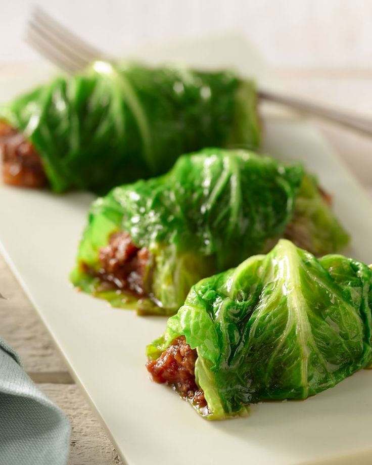 Een gezonde vegetarische 'wrap' van slabladeren gevuld met quorngehakt. Lekker en makkelijk te bereiden. Ideaal als luchtige lunch of een hapje.