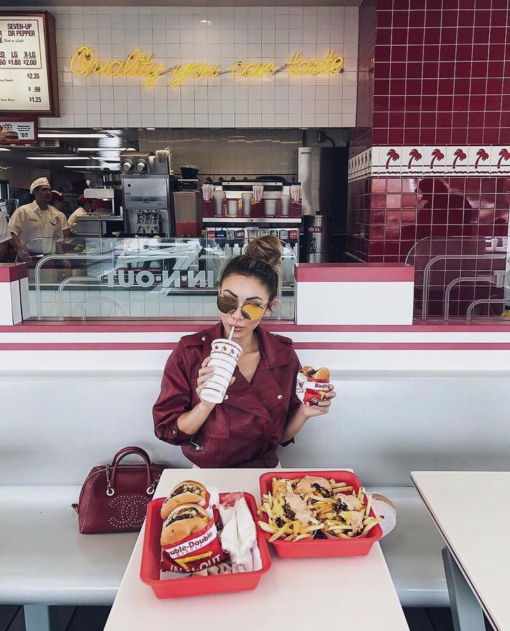 In-N-Out with @notjessfashion   #fashionblogger #fashionbloggers #hypebeast #instafashion #streetstyle #streetfashion #streetlook #outfitinspiration #fashiongram #fashionpost #fashionaddict #fashionblog #fashionable #fashionstyle #hypebae #fashionformen #fashiondiaries #fashionlovers  #fashionlover #outfitpost #outfitoftheday #todaysoutfit #ootd #whatiworetoday #currentlywearing #wiw #whatiwore #aboutalook #stylegram #styleblog