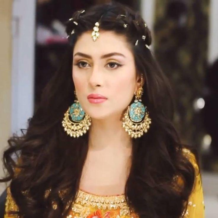 Gorgeous Pakistani actress Ayeza Khan
