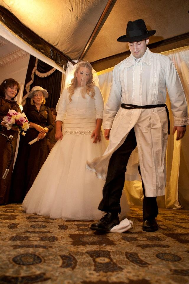 Guide to an Orthodox Jewish wedding. I'd like to