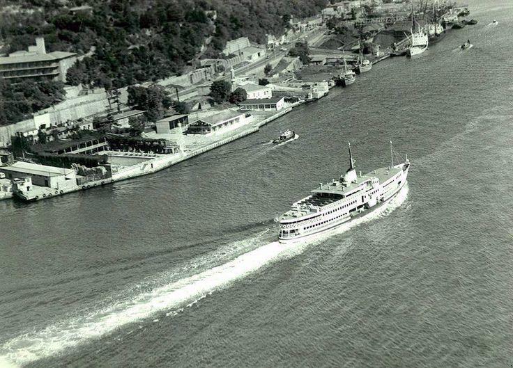 Köprüden Ortaköy-Kuruçeşme arası. Lido yüzme havuzu da görünmektedir. http://ift.tt/2anjXgi