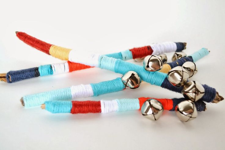 Untrendy Life: Yarn Wrapped Sticks With Bells