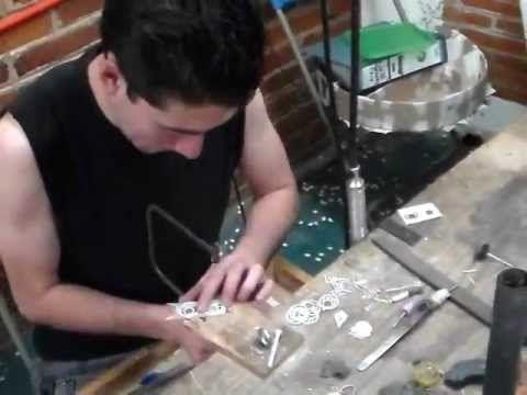 Fabricación artesanal de joyas de plata - YouTube