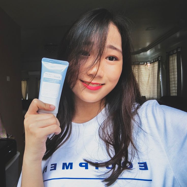 Thanks to @nattacosme for sponsoring such a nice sunscreen😍😍❤️So did you guys know that sunscreen is very important for you to have a flawless skin. It helps to prevent facial brown spots and skin discolorations. It also helps to reduce the appearance of facial red veins and blotchiness. It slows down the development of wrinkled, premature aging skin. Get yours now. ❤️❤️❤️ #natta