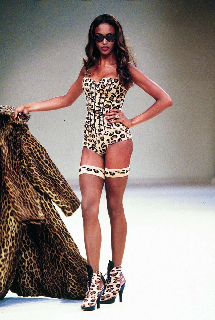 Наоми Кэмпбелл: черная пантера. | Блогер zolushkakoksa на ...  Наоми Кэмпбелл В Клипе Майкла Джексона