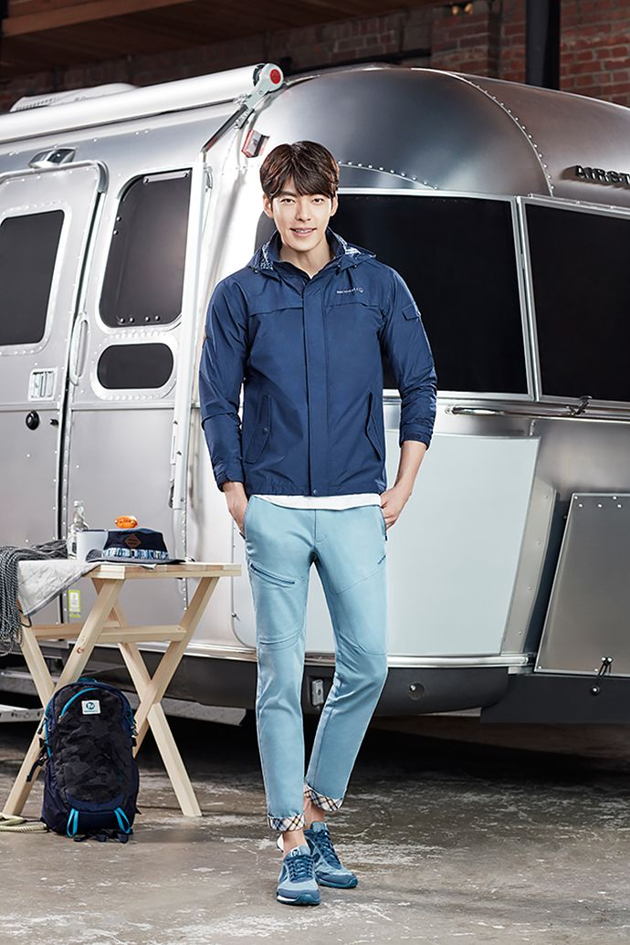 Go here for Kim Woo Bin's previously released Merrell SS 2016 visuals.    Source | Merrell