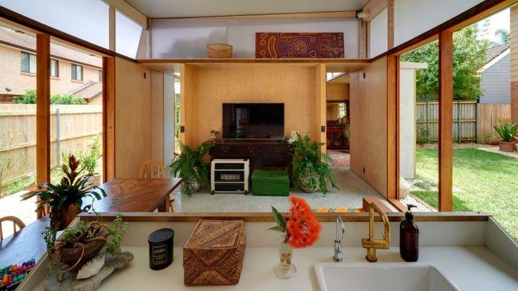 'Garden pavilion' in Narrabeen designed by Peter Stutchbury for Shona Veney