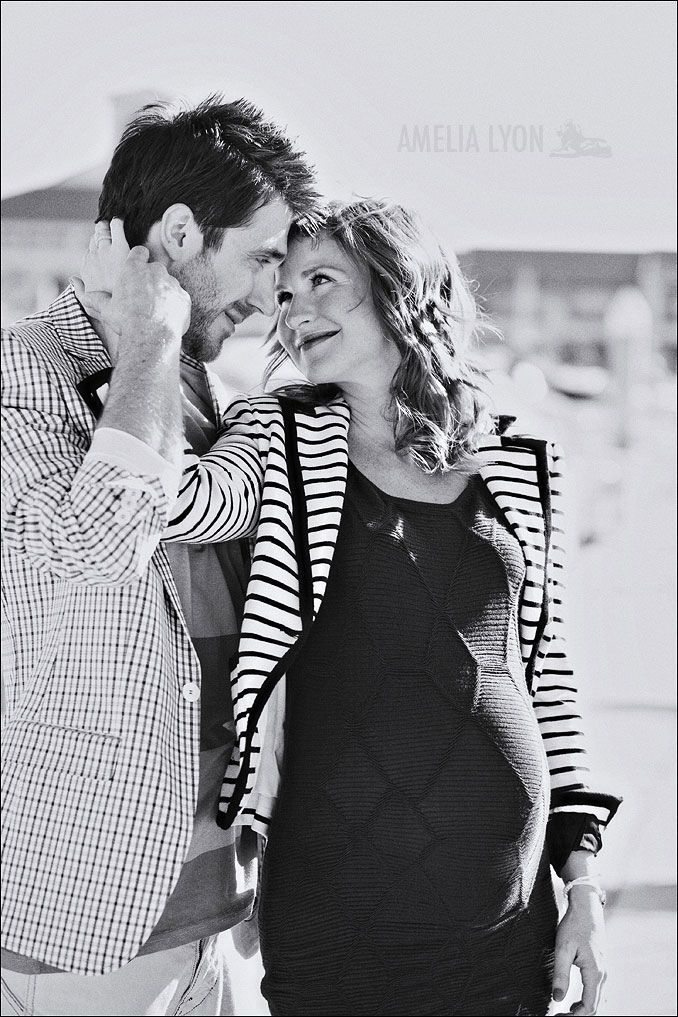 Coolest maternity session EVER. Amelia Lyon blog.
