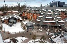 Villa in South Lake Tahoe, United States. Ask About Private Lake access for Marriott Guests Next to the Gondola  Ski in/out walk to Casino Fabulous 5 star resort Jr. Ste with full kitchen.  You will be our guest and enjoy top this wonderful stay with fitness center, spa, hot tubs SLT Perm...