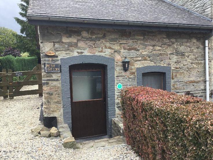 De 'Petit Gite' is een knus en authentiek huisje, privacy gelegen met een eigen ingang. Terras en tuinzitje, in gezamenlijke tuin. Alle comfort en privacy voor 2 personen #Ardennen #luxemburg #vakantiehuis