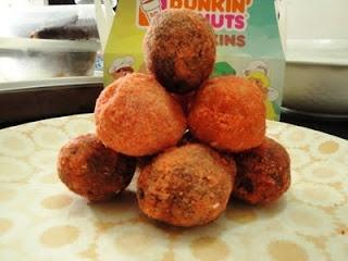 Dunkin Donuts Munchkins (choco butternut & choco honey dip)