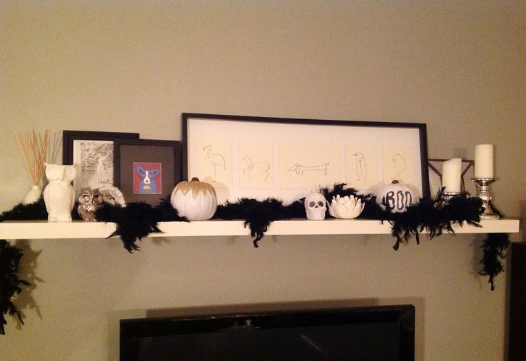 17 best images about mantle display ideas on pinterest for Modern halloween decor