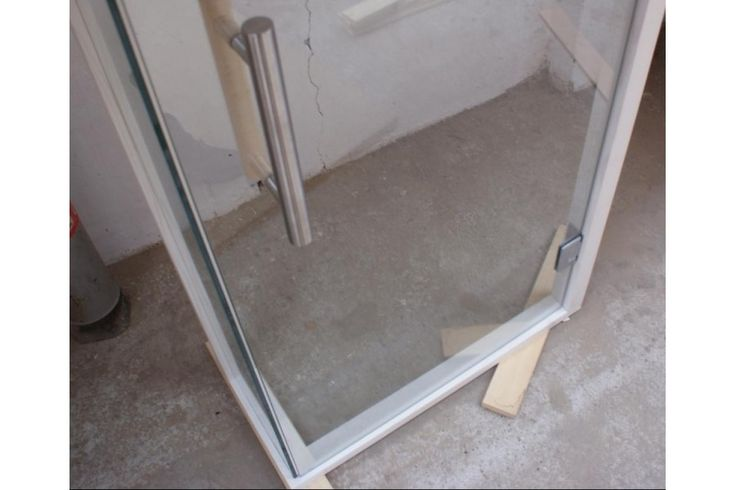 drzwi-szklane-przeszklone-wejście-90-do-sauny.jpg (900×600)