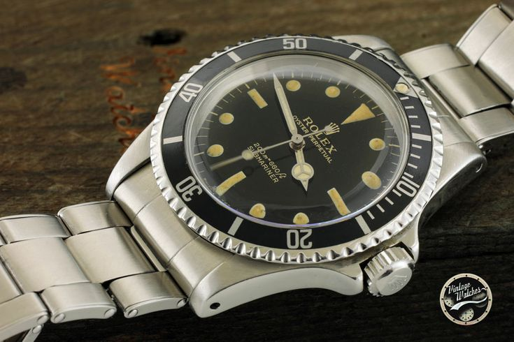 Rolex Submariner Gilt ref. 5513 for sale by a trusted dealer on Rolex Passion Market, the No.1 Vintage Rolex Marketplace!