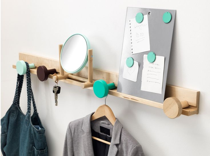 Настенная вешалка для одежды в прихожую: материалы, конструкции,  дизайн http://happymodern.ru/nastennaya-veshalka-dlya-odezhdy-v-prixozhuyu-materialy-konstrukcii-dizajn/ Самое главное в прихожей - это наличие вешалки для одежды
