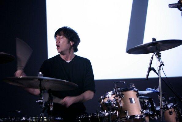 ... in this photo matt flynn musician drummer matt flynn from maroon 5