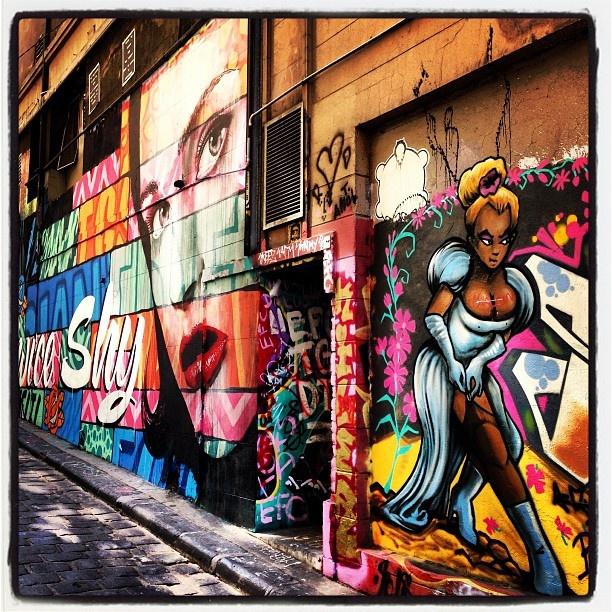 Street art out the front of Movida Restaurant/Tapas in Melbourne, Australia  @adamjhamilton7