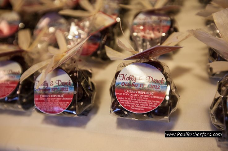 Looking for the perfect northern Michigan wedding favor? Look no further...we offer small portions of dried cherries, cherry nut mix, etc. #cherryrepublic
