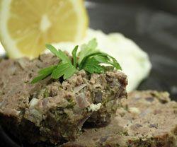 Græsk farsbrød med tzatziki - opskrift