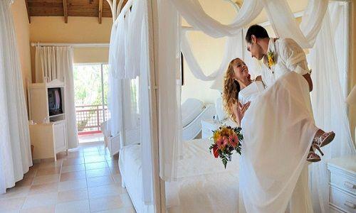 #nationaltürk 'den dünyanın en iyi 10 #balayı #otelleri yayınlandı. Listede bilinen otellerden #constance #halaveli #maldivler oteli birinci sırada yer aldı. #travel #honeymoon  İşte dünyanın en iyi 10 balayı oteli; http://www.nationalturk.com/?p=249044