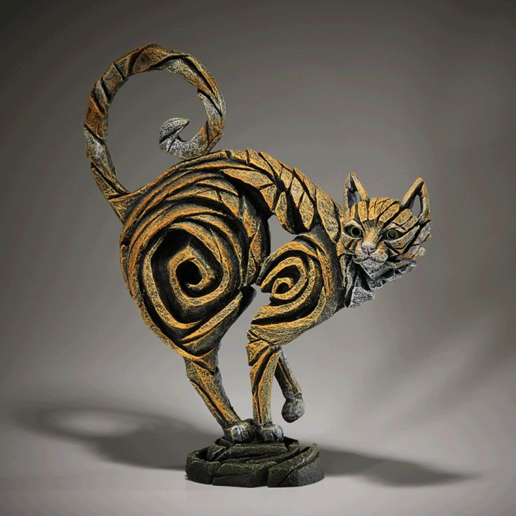 EDGE SCULPTURE KATZE by Matt Buckley