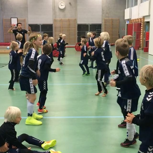 MoveQ with special guest Jamal Charafi at Aakanden GF, Gentofte, Denmark. Motor & cognitive development for kids between 3-11 years old. Fun - challenging - successful  http://www.moveq.org +31 248 41114  Info@moveq.org  The long version of this video is on MoveQ's Facebook site or on MoveQ's YouTube channel. Be playful and like us :) #moveq #moveqacademyeurope #sportperformancecentrerijnmond #functionaltraining #3dfunction #play #playful #learnforlife #movethebrain #football #kids #children…