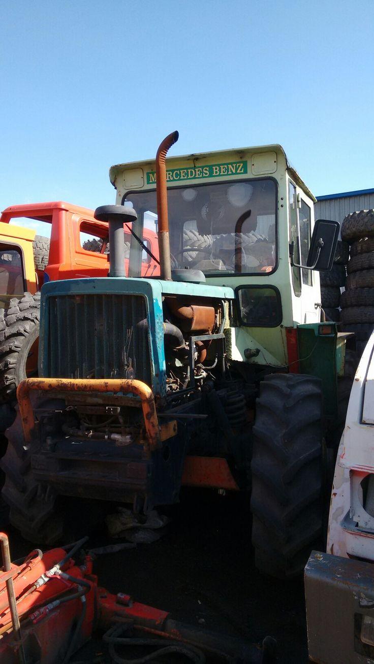 Mercedes tractor based on unimog