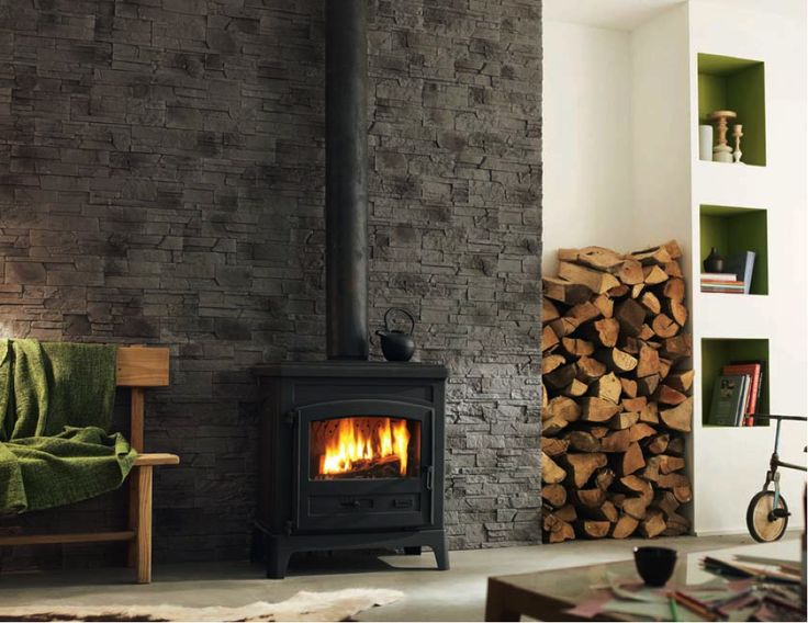 mur + poêle à bois  Chalet  Pinterest