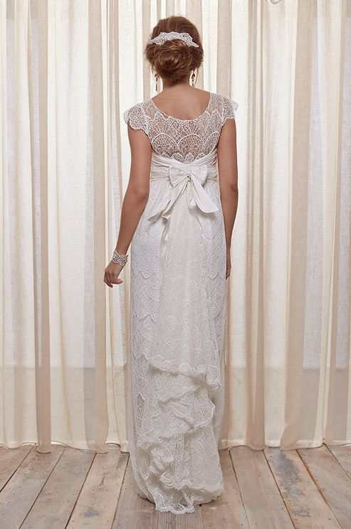 Lace wedding dress, Anna Campbell, Belle Ivoire