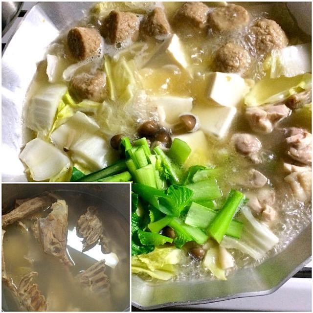 かしわ屋(鶏肉屋)でもらった鶏ガラでスープをとって薄味の塩味で鶏鍋‼︎ 激ウマでした♬(笑) - 62件のもぐもぐ - 糖質制限ダイエットな晩ごはん‼︎ by giacometti1901
