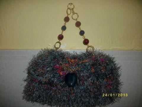 Borsetta lavorata a maglia