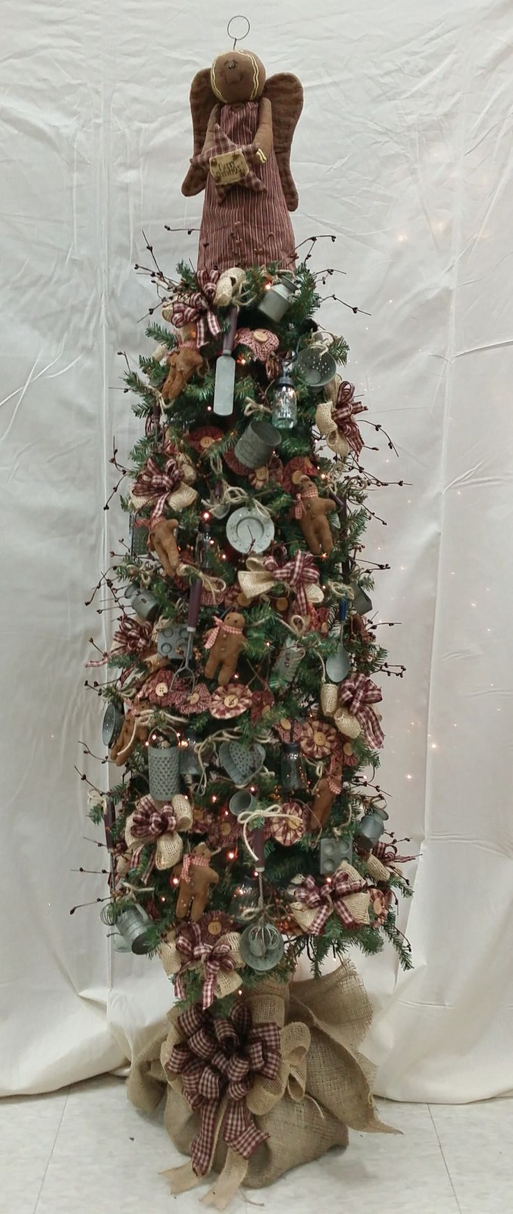 Country christmas decorations 2014 - You Can Never Have Enough Christmas Trees Decorate Your Kitchen This Season With A Gingerbread