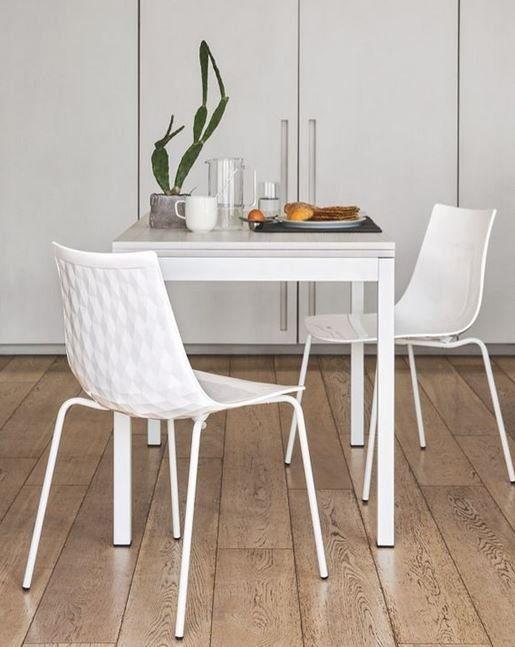 Table repas extensible SNAP BOOK 110x70 de CALLIGARIS en chêne blanc piétement métal blanc