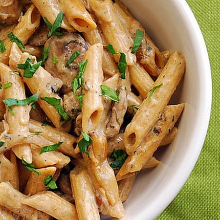 Looking for a few more dishes for your holiday feast? Try this chicken marsala pasta!