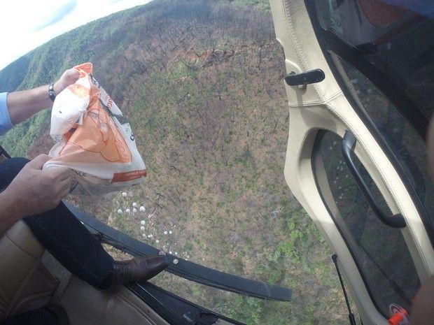 Bombas de sementes são usadas em reflorestamento da Chapada do Araripe