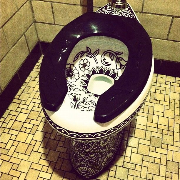 Mexican Throne.. I know it's weird, but how cool would this be in a bar??? Awesome!