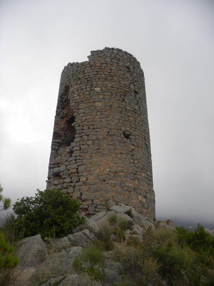 La torre albarrana del Castell de Montornés