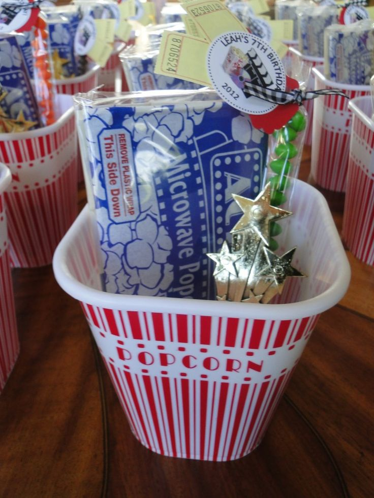 Party favor idea for movie-themed party! #partyidea #partyfavorPartyideas Partyfavors