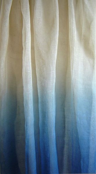 ombré effect. going to try this with simple white and inexpensive ikea curtains.
