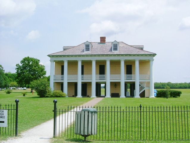 1000 images about southern plantations on pinterest for Southern homes louisiana