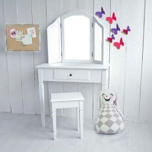 die besten 25 kinder schminktisch ideen auf pinterest diy aufbewahrung schreibtisch. Black Bedroom Furniture Sets. Home Design Ideas