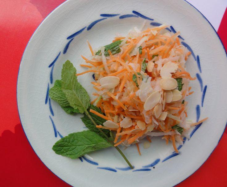 Kohlrabi and Carrot Salad (dairy/egg-free, with optional almonds)