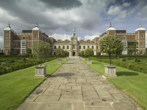 Must visit here next year when in England... Check out Hatfield House on VisitBritain's LoveWall!