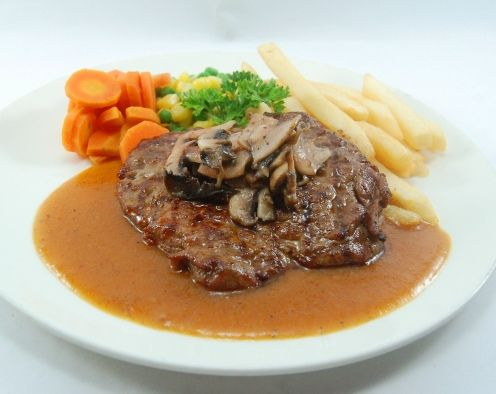BEEF STEAK WASHINGTON. Available in local, Black Angus & Australian beef. Grilled tenderloin served with french fries, sauteed mushroom, vichy carrot, corn kernel & green peas, in a rich gravy sauce.