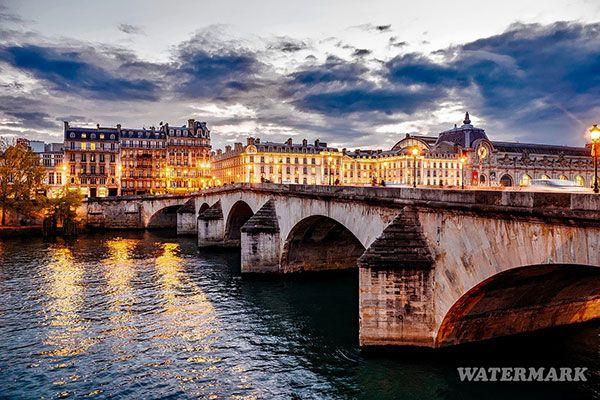 Tutorial gambar dan video mengenai cara membuat watermark tulisan pada foto menggunakan aplikasi Photoshop.