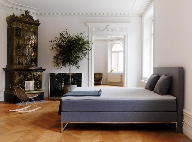 Vanhan ajan henki kohtaa modernin. Kuvassa TEMPUR Signature -vuode. #makuuhuone #sänky #sisustus #tempur