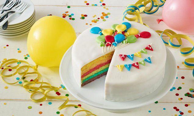 Eine+wunderschöne+Torte+mit+einer+weißen+Schokoladencanache